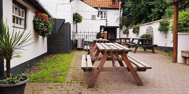Three Kings Haddenham Outside Seating